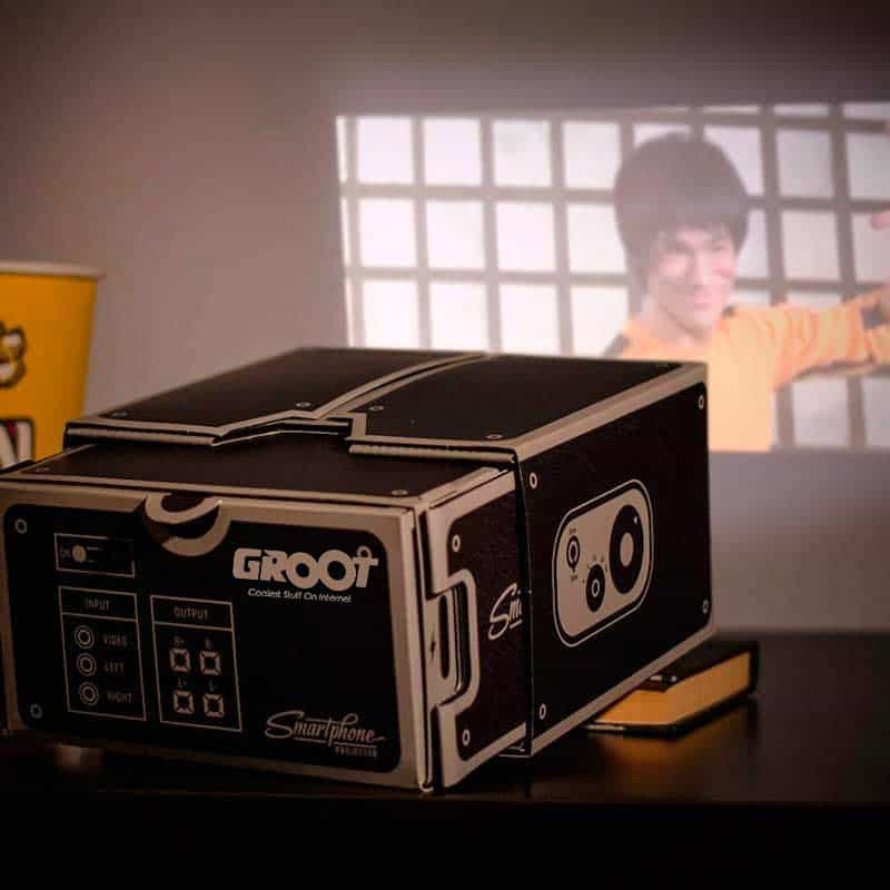 Turn Any Smartphone Into A CINEMA PROJECTOR